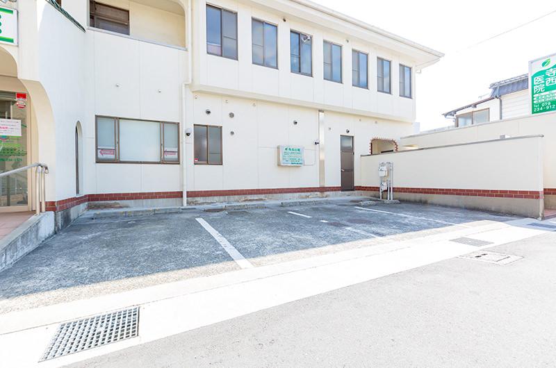 入口側の駐車場